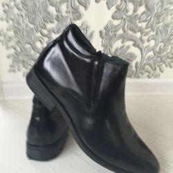 Нові зимові черевики