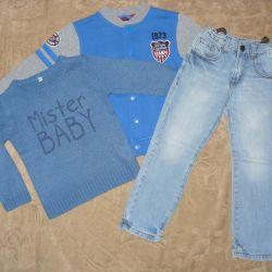 Ένα σύνολο ρούχων για ένα αγόρι 3-4 ετών