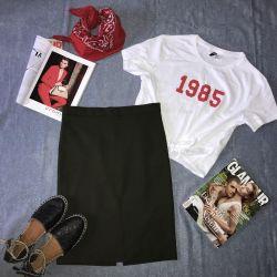 Новая женская футболка, юбка и эспадрильи из натур