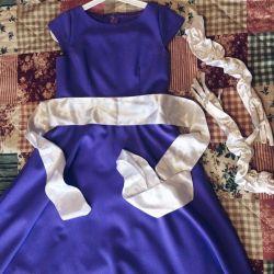 Сиреневое вечернее платье с перчатками и поясом