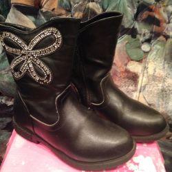 Μπότες αστραγάλου μαύρες, διακοσμημένες με στρας