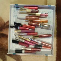 Gloss and lipstick for lip.po50 r