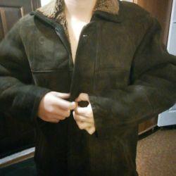 Voi vinde o haină naturală de piele de oaie