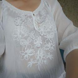 Тонкая блузка р-р 46-48