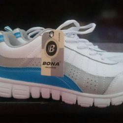 Bona sneakers. New!