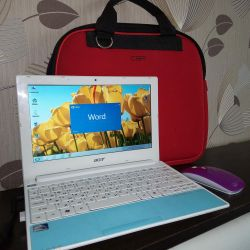 Acer Aspire One Happy-2DQb2b Netbook