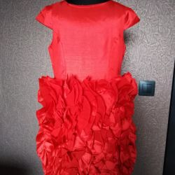 Red dress for girl 134-140