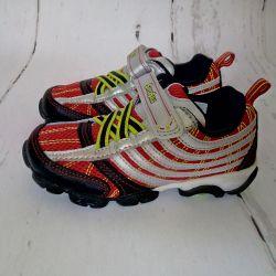 Νέα αθλητικά παπούτσια 17.5cm