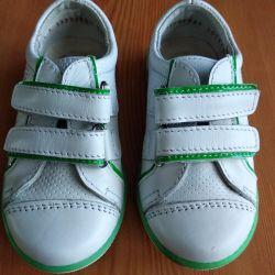 Νέα αθλητικά παπούτσια Kotofey 24