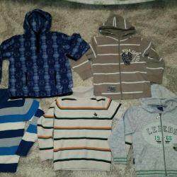 Sweatshirts. 120-128 cm