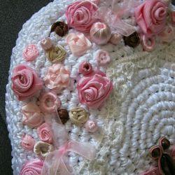 Romantic style handbag.