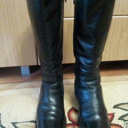 Χειμερινές μπότες από δέρμα.