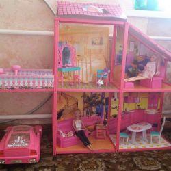 Σπίτι για Barbie με το αυτοκίνητο.