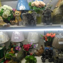 Lighting pots, garden figures.