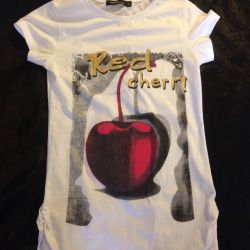 T-shirt and a T-shirt for 100 rubles