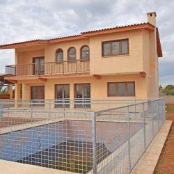 Vila cu 4 dormitoare în Agia Thekla, Famagusta
