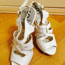 Kadın sandalet