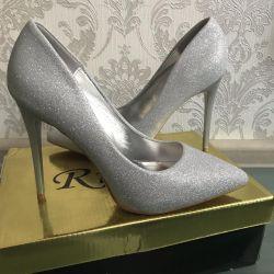 Νέα παπούτσια - ασημί χρώμα