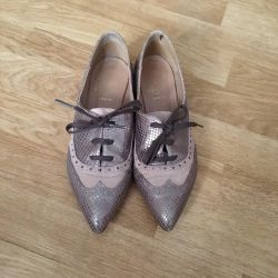 Almost new Spanish shoes size 38