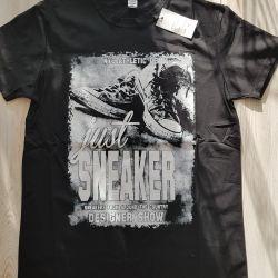 Новая футболка 48размер