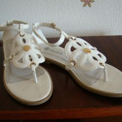 Sandals New 38R.