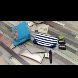Cosmetics bags Yves Rocher New