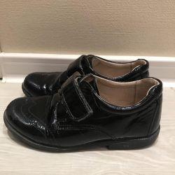 Ayakkabılar, Skorohod ,, deri, cila.