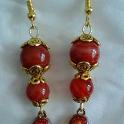 Earrings with natural stones
