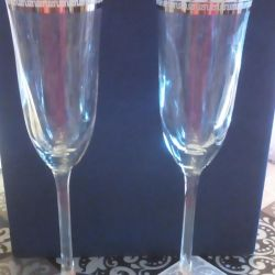 6 glasses. Great for wedding and decoration