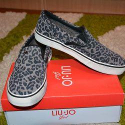 New sneakers by Liu Jo (slip-on model)