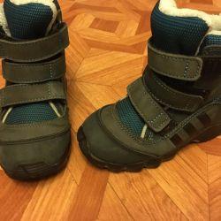 Adidas çizmeler