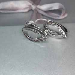 Earrings are made of silver 925 pr.