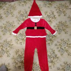3-4,5 yıl boyunca Santa veya Gnome kostümü (+ -)