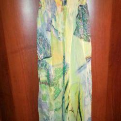 O rochie nouă este un sarafan. Italia ?? S-M
