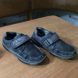 Παπούτσια μέγεθος 30