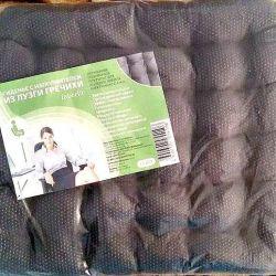 Pillow with buckwheat husk filler