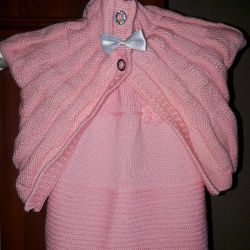 Knitted suit for girls