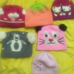 Hats for a girl 5-7 years old for 70 rubles