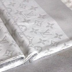 Scarf lv white with lurex silver