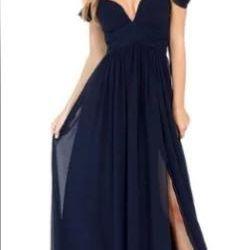 Шикарное платье новое, стиль - клубное, секси.