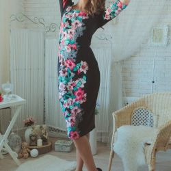Новое трикотажное платье 44 размер