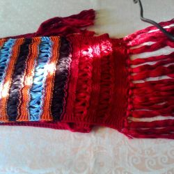 Colored wool scarf.
