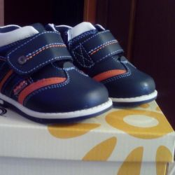 Новые Ботинки для мальчика