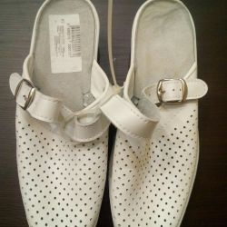 Clogs for women