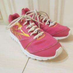 Ροζ αθλητικά παπούτσια Reebok