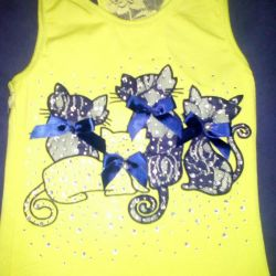 Summer T-shirt with cats.