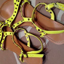 Sandals for the summer with spikes