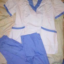 Новий костюм медичний