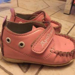 2 пары обуви для девочки 18-19р