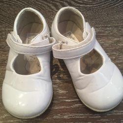 Παπούτσια λακαρισμένο δέρμα λευκό 22